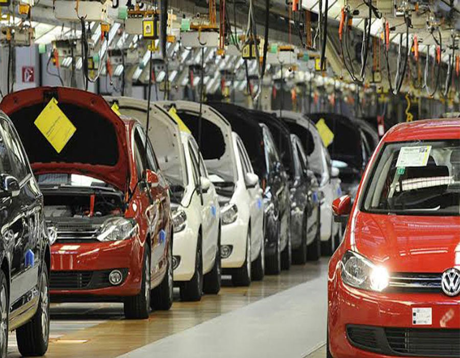 Auto stocks gain on robust sales numbers for Nov