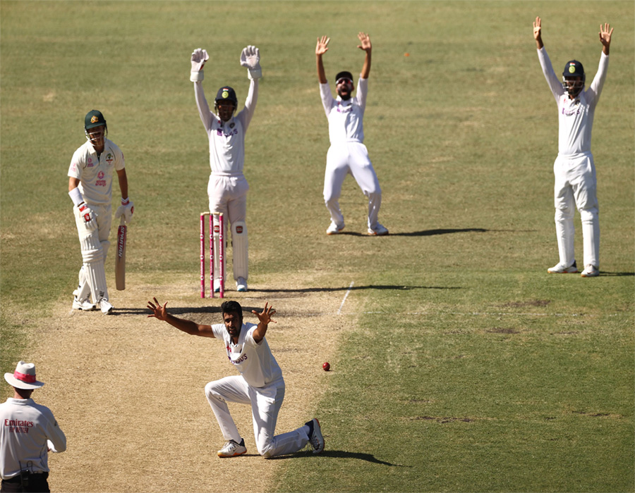 3rd Test: Australia take charge, stretch lead to 197