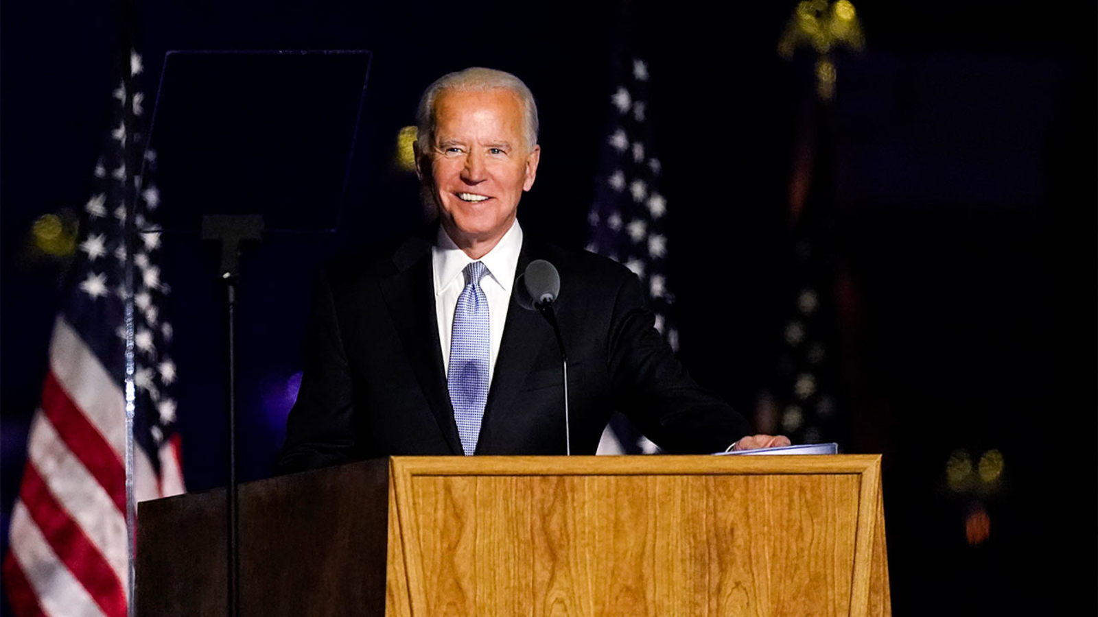 Biden signs executive orders to expand food assistance, Up federal pay
