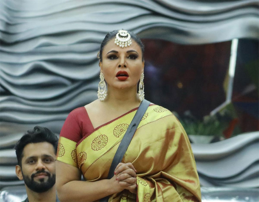 Rakhi Sawant urges fans to pray for her mother