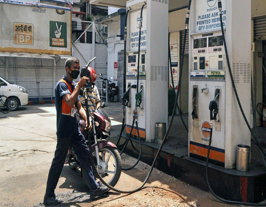 Petrol, diesel prices remain unchanged on friday