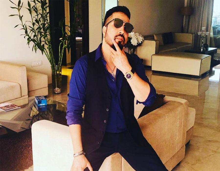 Did Mika Singh propose to Bhoomi Trivedi on TV?