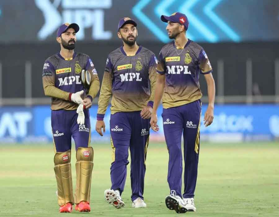 2 KKR players test 'Covid positive', Monday's IPL tie deferred