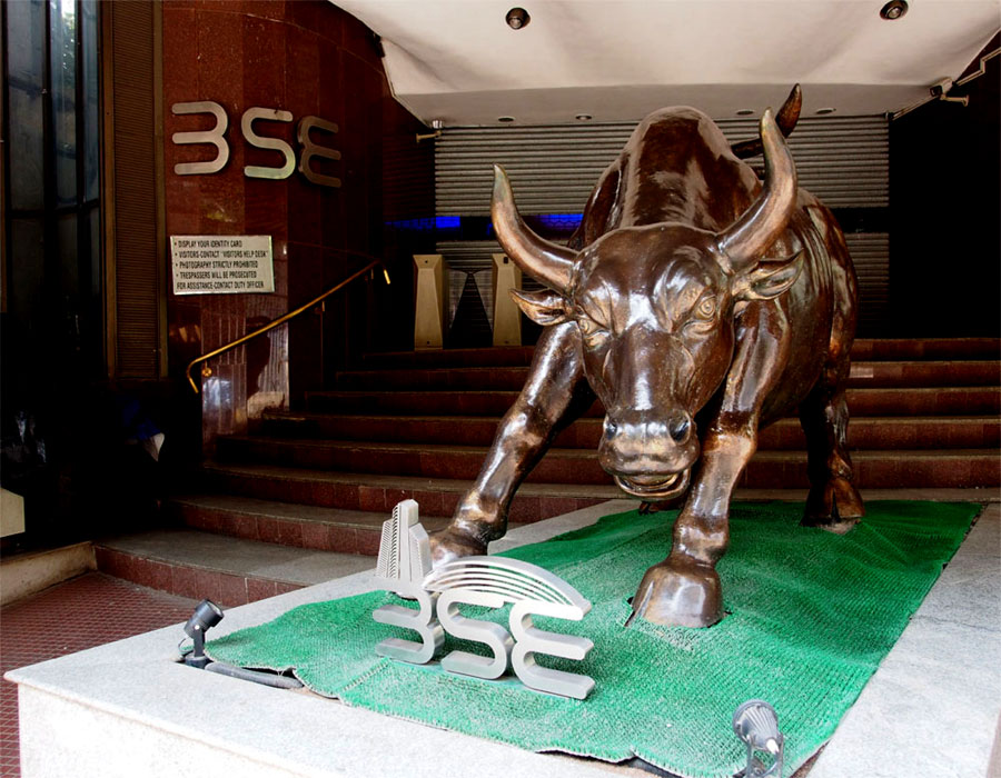 Global cues lift equity indices; realty stocks rally