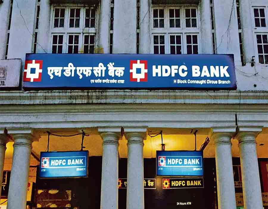 HDFC Bank can now issue new credit cards; shares rise