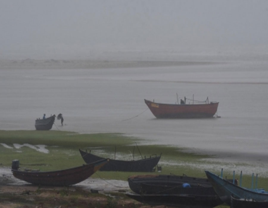 IMD issues pre-cyclone watch for Odisha, AP coasts