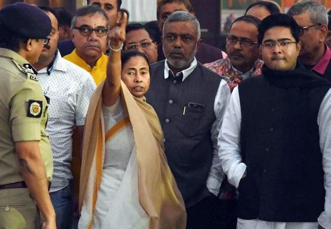 Narada case: CBI arrests TMC's Firhad, Subrata, Madan, Sovon, Mamta Banejee stages dharna