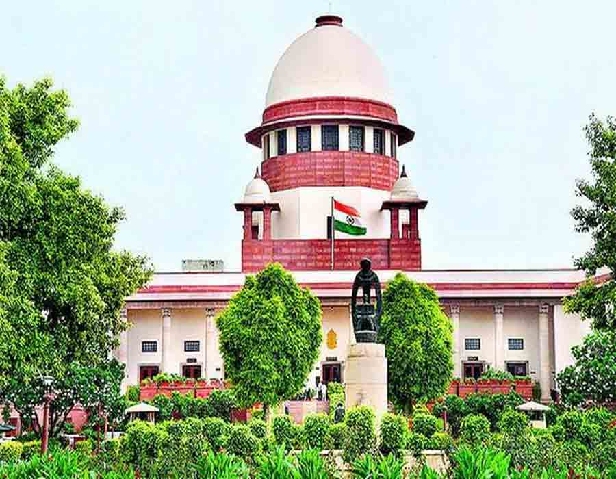 One who lives in glass houses, shouldn't throw stones at others: SC to Ex Mumbai CP