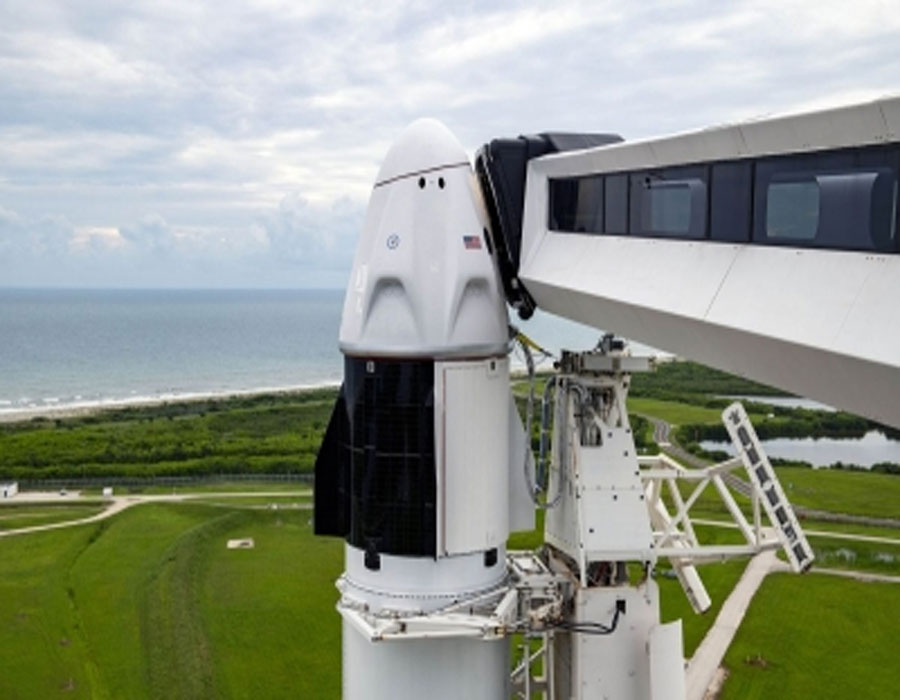 SpaceX finally prepares to send 1st all-civilian crew into orbit